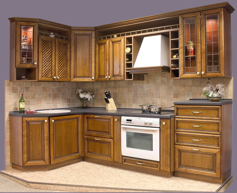 Угловая кухня с мойкой в углу: дизайн и планировка, лайфхаки по хранению (25 фото и 6 эскизов)