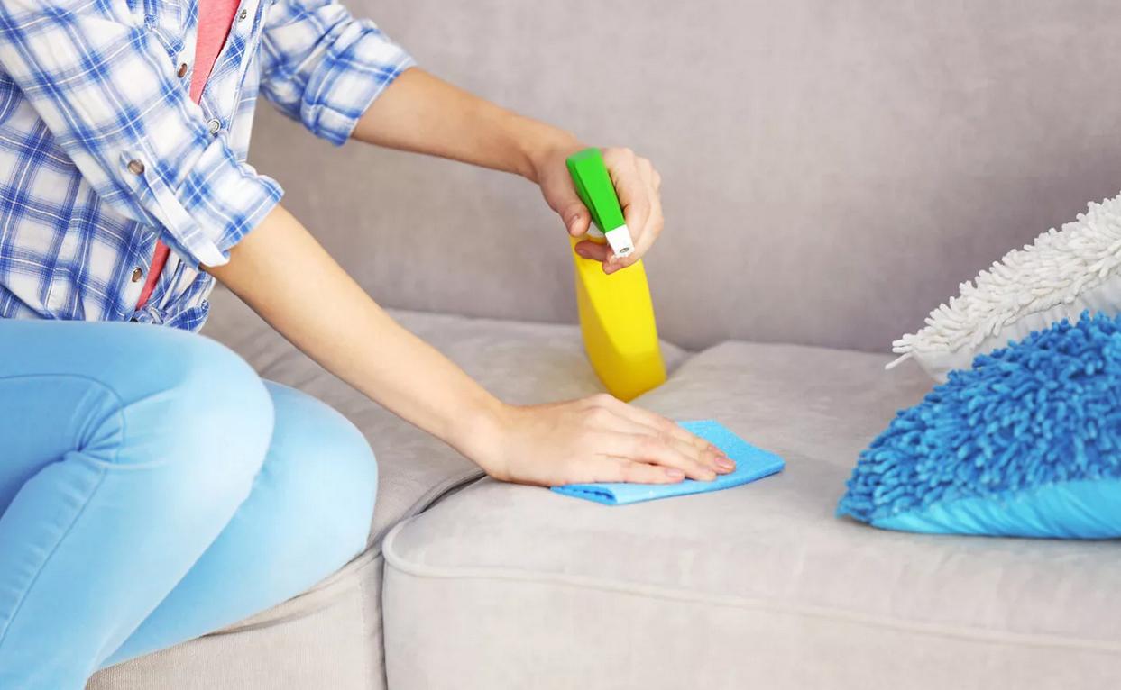 Очиститель обивки дивана