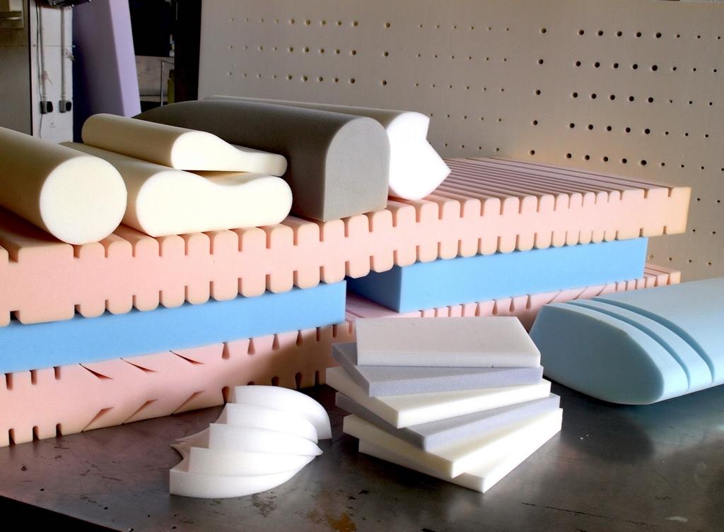 Поролон для дивана 16 фото какой лучше мебельный поролон выбрать и какой плотности жесткости и толщины нужен бескаркасные модели