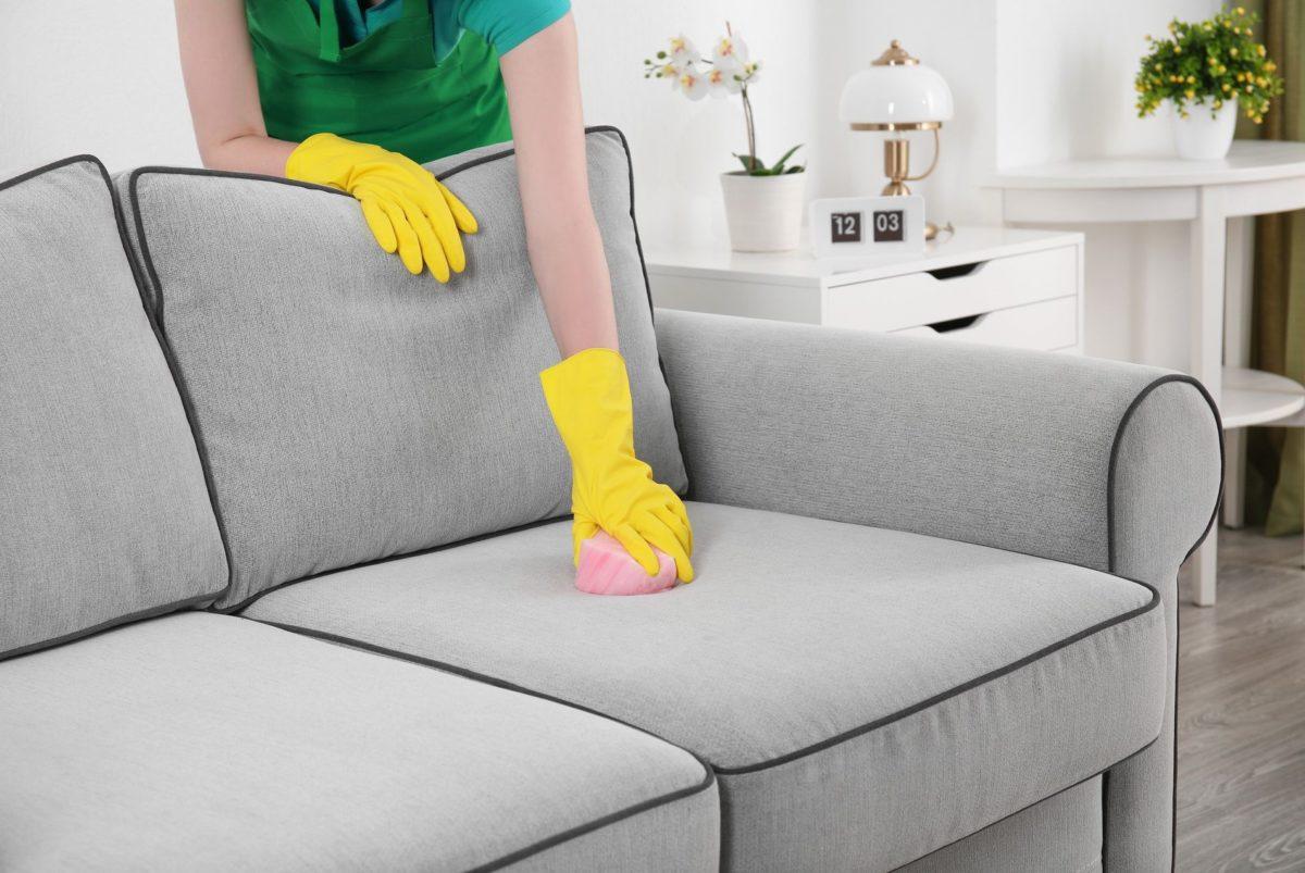 Чем почистить диван из ткани в домашних условиях от грязи